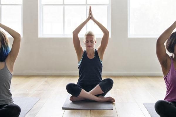 Är du nyfiken på vad yoga är?